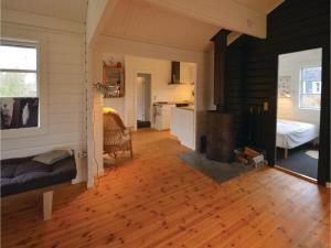 Four-Bedroom Holiday Home in Ebeltoft, Prázdninové domy  Ebeltoft - big - 10
