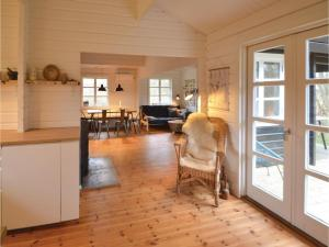 Four-Bedroom Holiday Home in Ebeltoft, Prázdninové domy  Ebeltoft - big - 8