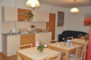Pension Sonnblick, Guest houses  Sankt Kanzian - big - 37