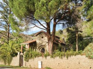 Two-Bedroom Holiday Home in Ajaccio, Dovolenkové domy  Ajaccio - big - 9