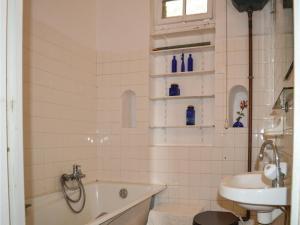 Two-Bedroom Holiday Home in Ajaccio, Dovolenkové domy  Ajaccio - big - 8