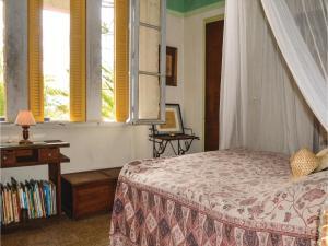 Two-Bedroom Holiday Home in Ajaccio, Dovolenkové domy  Ajaccio - big - 4