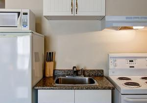 Queen Room with Kitchenette,
