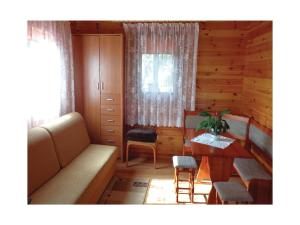 Two-Bedroom Holiday Home in Gaski, Ferienhäuser  Gąski - big - 2