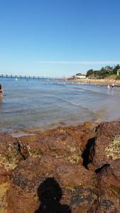 Pebbles Beach Retreat, Дома для отпуска  Коув - big - 13