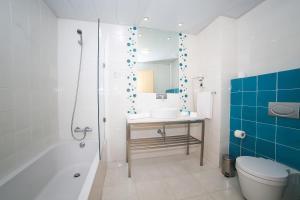 Hotel Praia, Отели  Назаре - big - 37