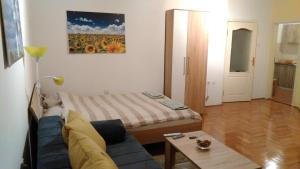 Sunflower Apartment, Apartments  Novi Sad - big - 13