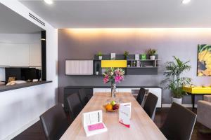 Christina's Hanoi - Lancaster City Living, Apartmány  Hanoj - big - 25