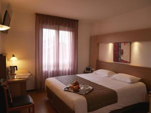 Cévenol Hôtel 3 étoiles avec restaurant, piscine et bar à Millau