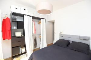 Charming apartment-Canal St Martin-Amazing prices!, Appartamenti  Parigi - big - 9