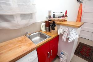 Charming apartment-Canal St Martin-Amazing prices!, Apartmanok  Párizs - big - 12