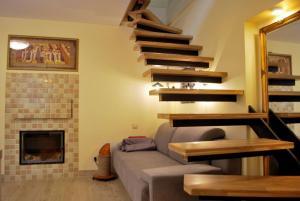 Near fireplace, Apartments  Vilnius - big - 17