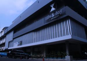 Nite & Day Surabaya - Kedungdoro, Отели  Сурабая - big - 1