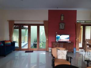 Tahnia Home, Nyaralók  Yogyakarta - big - 2