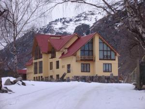 Guest house Orlinoe Gnezdo Balkarskaya 1 - Dzhaga