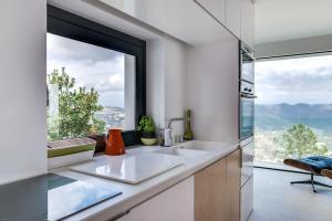 Magnificent contemporary villa Esterel Massif, Villák  Fréjus - big - 59
