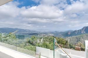Magnificent contemporary villa Esterel Massif, Villák  Fréjus - big - 57