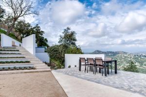 Magnificent contemporary villa Esterel Massif, Villák  Fréjus - big - 54