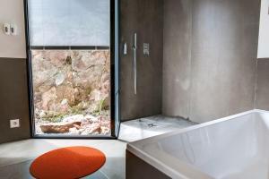 Magnificent contemporary villa Esterel Massif, Villák  Fréjus - big - 47