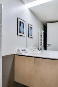 Magnificent contemporary villa Esterel Massif, Villák  Fréjus - big - 45