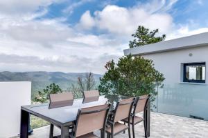 Magnificent contemporary villa Esterel Massif, Villák  Fréjus - big - 44
