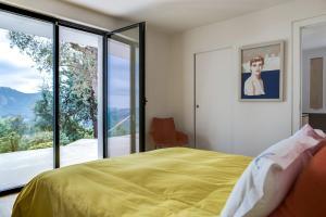 Magnificent contemporary villa Esterel Massif, Villák  Fréjus - big - 62