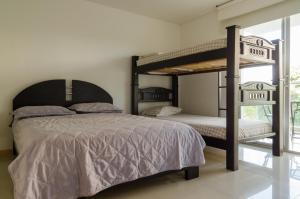 Torres Del Mar, Apartmanok  Santa Marta - big - 9