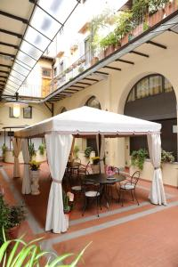 Hotel Residence La Contessina, Aparthotels  Florenz - big - 10