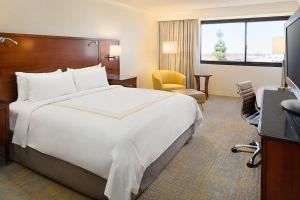 Los Angeles Marriott Burbank Airport, Hotel  Burbank - big - 2