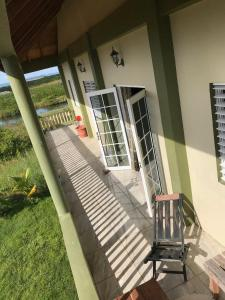 Spacious Solar Home, Holiday homes  Seine Bight Village - big - 17