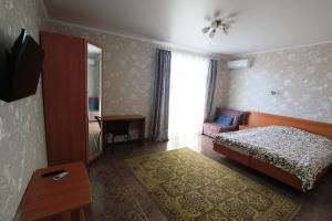 2-bedroom Apartment with a terrace, Appartamenti  Vityazevo - big - 10
