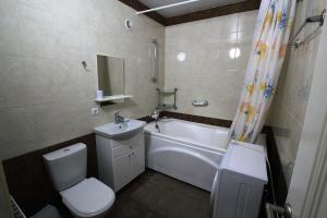 2-bedroom Apartment with a terrace, Appartamenti  Vityazevo - big - 8