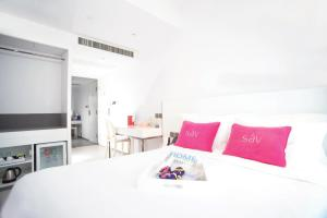 The Sav Collection - Deluxe Double Room