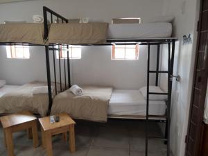Seng i 4-sengers sovesal (begge kjønn)