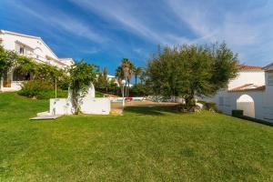 Menorca Villa Fenicia, Виллы  Son Parc - big - 68