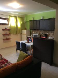 Modern Basement Apartment Gio Ii, Apartmány  Zakynthos Town - big - 17