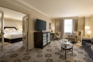 Fairmont One-Bedroom King Suite
