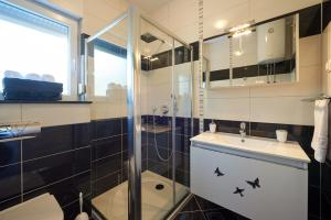 4* M&M Luxury apartment (FREE parking), Apartments  Trogir - big - 16