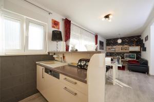 4* M&M Luxury apartment (FREE parking), Apartments  Trogir - big - 17