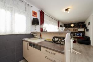 4* M&M Luxury apartment (FREE parking), Apartments  Trogir - big - 20