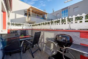 4* M&M Luxury apartment (FREE parking), Apartments  Trogir - big - 24