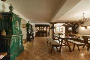 Blumen Hotel Bel Soggiorno, Malosco, Italy | J2Ski