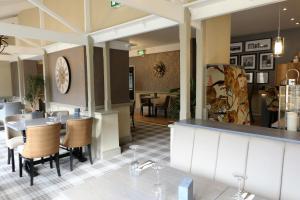 County Hotel, Hotels  Carnforth - big - 1