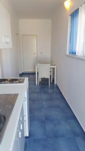 Mediterraneo Apartments, Apartmanhotelek  Arhángelosz - big - 11