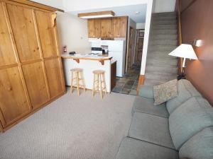 Apex Mountain Inn Suite 410 Condo, Апартаменты  Apex Mountain - big - 1