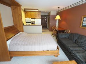 Apex Mountain Inn Suite 211-212 Condo, Апартаменты  Apex Mountain - big - 1