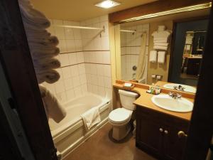 Apex Mountain Inn Suite 401-402 Condo, Apartmanok  Apex Mountain - big - 2