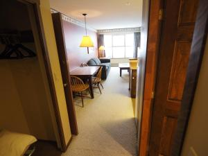 Apex Mountain Inn Suite 211-212 Condo, Апартаменты  Apex Mountain - big - 28