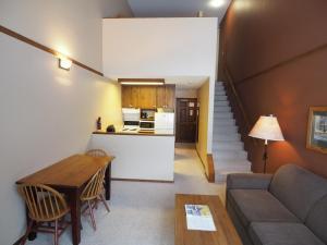 Apex Mountain Inn Suite 401-402 Condo, Apartmanok  Apex Mountain - big - 19