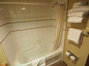 Apex Mountain Inn Suite 211-212 Condo, Апартаменты  Apex Mountain - big - 19